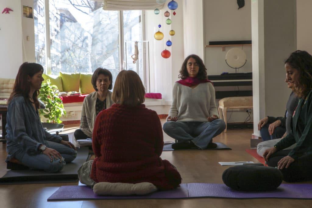 Grupo de Escritura y Meditación en sesión de clase Madrid 2017